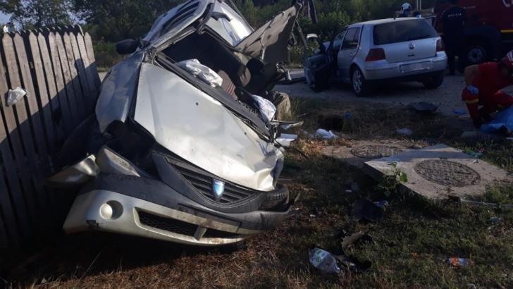 Accident înfiorător. Un mort și trei răniți într-un accident comis de o tânără fără permis
