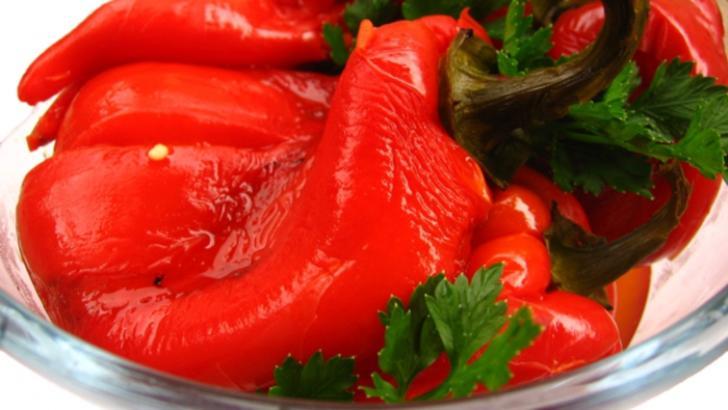 Secretul neştiut despre banalii ardei copţi. Mai mănânci?