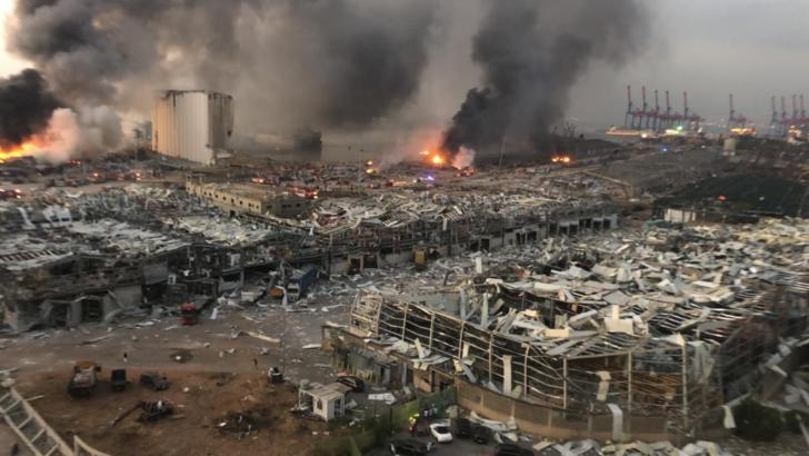 Bilanțul deceselor exploziei din Beirut a urcat la 154. Echipele de salvare caută supraviețuitorii prin moloz