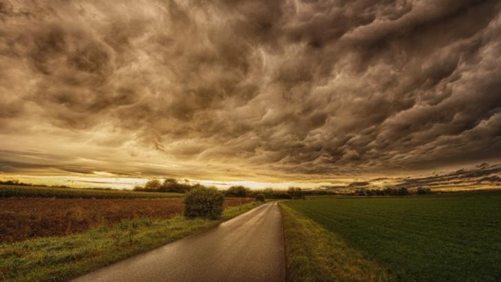 Alertă meteo: cod GALBEN de fenomene severe. Se întorc furtunile - HARTA potopului