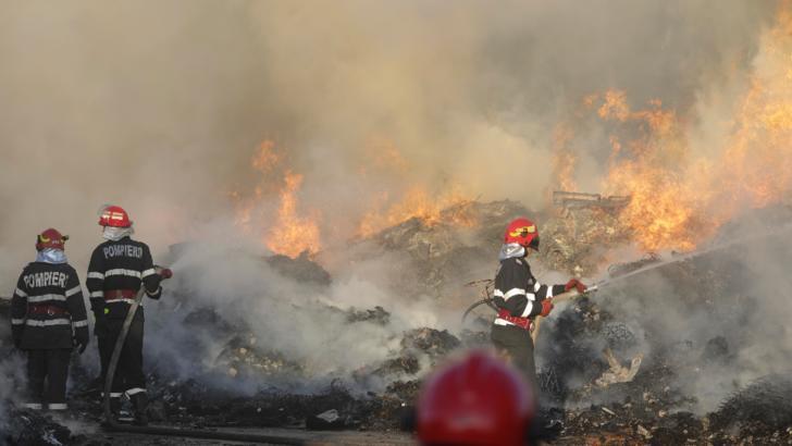 Incendiu Chitila - FOTO: Inquam