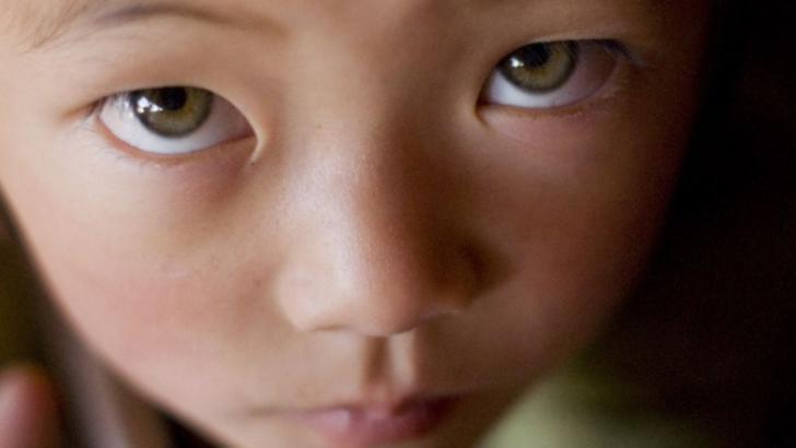 Descoperire şoc: cine sunt oamenii cu ochi verzi din China despre care nu se ştia nimic