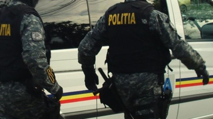 """A """"furat"""" o fată de 15 ani și a plecat, la propriu, cu ea în spate. Cum l-au prins polițiștii"""