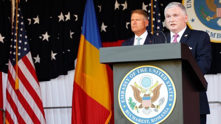 Adrian Zuckerman, ambasadorul SUA la București, și președintele Klaus Iohannis Foto: Ambasada SUA la București