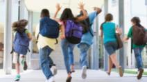 Zi importantă pentru ELEVI: astăzi se decide cum începe școala/HARTA scenariilor pentru noul an scolar_pe judete