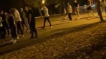 VIDEO Imagini revoltătoare, petrecere cu 250 de adolescenți, în Parcul Herăstrău. A intervenit poliția
