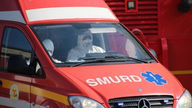 O femeie a murit după ce a căzut de la etajul patru al unui bloc din județul Cluj