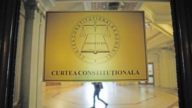 Decizie de maximă importanță a CCR: internarea obligatorie și detașarea medicilor SUNT CONSTITUȚIONALE