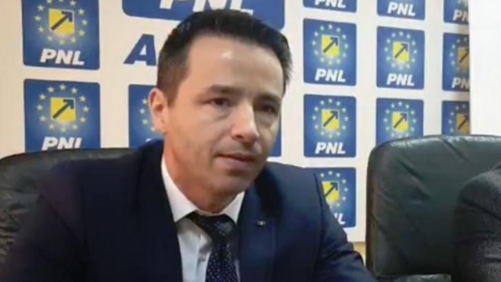 100% TU DECIZI: Emanuel Soare, tânăr liberal, vreau funcție