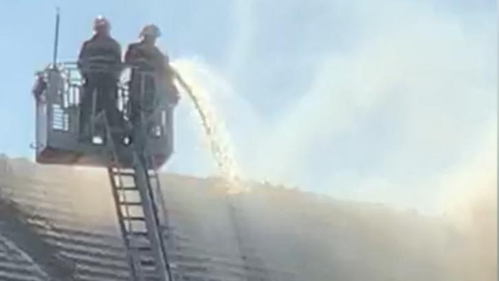 VIDEO Incendiu la un hotel istoric de pe Bulevardul Kiseleff din București