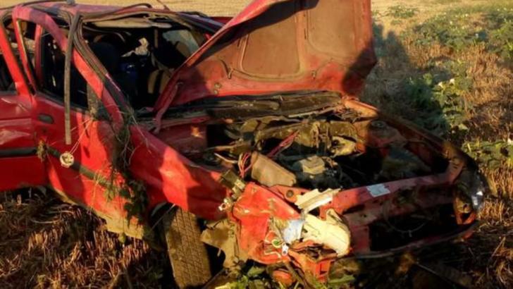 Accident grav, în jud. Timiș: doi morți. Victimele, aruncate din mașină, în urma impactului extrem de violent