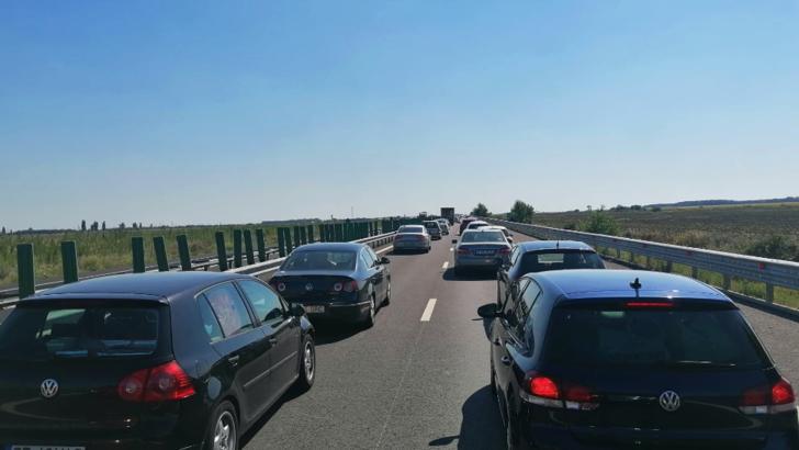 Accident mortal pe Autostrada Soarelui. O persoană a decedat, iar alte două au ajuns la spital