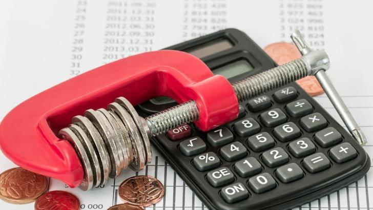 Lovitură pentru români: salariul minim, în pericol