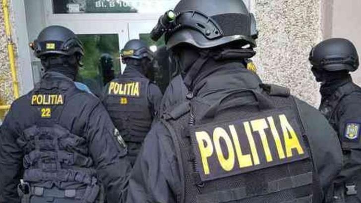 Percheziții ale polițiștilor din Prahova în județele Giurgiu și Brașov. Sunt vizați spărgători de locuințe