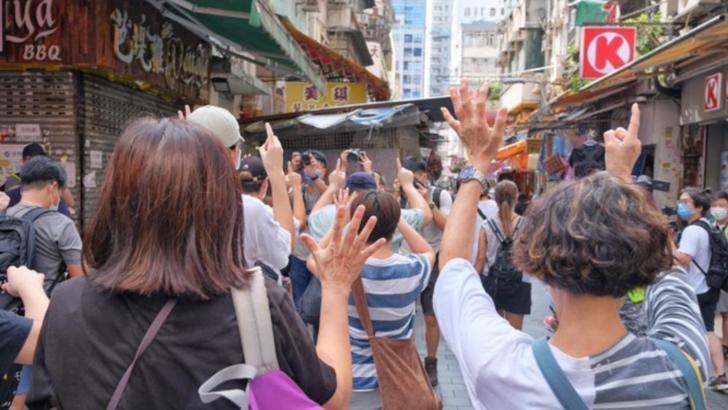 Proteste masive în Hong Kong din cauza amânării alegerilor cu un an/6 septembrie 2020 Foto: Twitter.com
