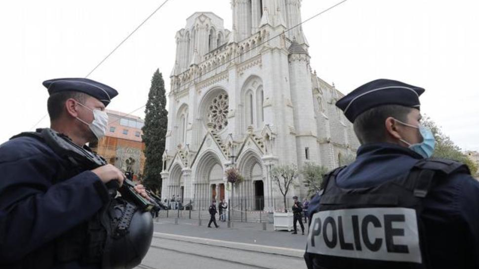 Atacatorul din Nisa, un tânăr tunisian sosit recent în Franța - surse