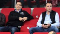 Ora 15:00 - Mailurile secrete Ponta-Ghiță, făcute publice: cum a fost filat președintele, ce ordin s-a dat presei pentru distrugerea lui