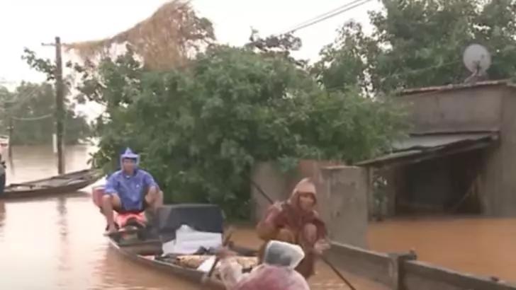 Inundații masive în Vietnam. Foto: captură Combini