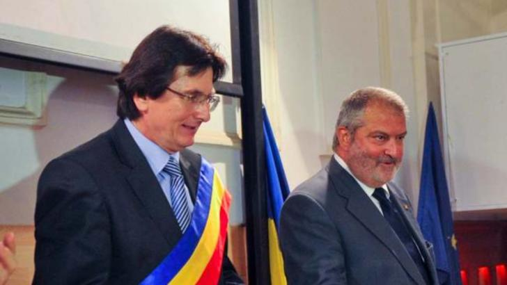 Nicolae Robu și Gheorghe Ciuhandu, foști primai ai Timișoarei, trimiși în judecată în dosarul caselor naționalizate