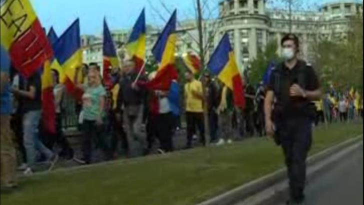 Protest fără distanțare în plină pandemie, în Capitală