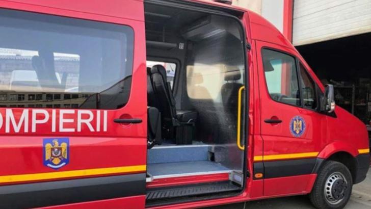 Măsuri de CRIZĂ ca urmare a exploziei de infectări: Bolnavii COVID, transportați cu microbuzele ISU