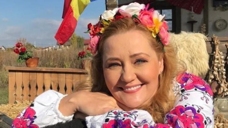 Fosta vedetă Pro TV Elena Lasconi și-a început, oficial, mandatul de primar în Câmpulung Muscel