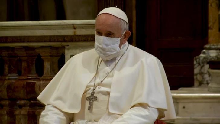 Papa Francisc nu va ține slujbele de la finalul Anului Nou. Află MOTIVUL