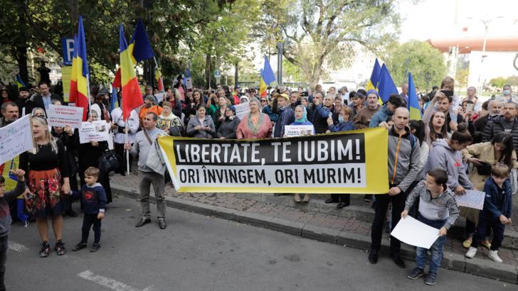 VIDEO Protest fără mască în București, în ziua cu cele mai multe infectări COVID