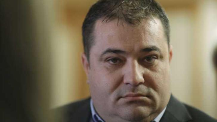 """100% TU DECIZI! Adrian Solomon, deputatul """"cu de toate"""" se declară comunist. Recidivist la scandaluri publice"""