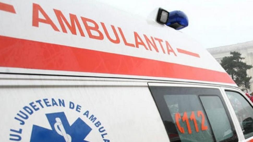 Scandal la Spitalul de Urgență Ploiești: rudele unui pacient au aruncat cu pietre în ambulanță