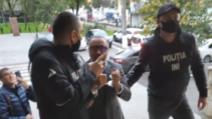 Fostul deputat Cristian Rizea, reținut în Republica Moldova. Asta, după ce a rămas fără cetățenie moldovenească, după dezvăluirile făcute în ultima perioadă la Realitatea PLUS. Sursele Realitatea PLUS spun că Ministerul Justiției de la noi este pregătit să reia procedurile de extrădare, după ce primește confirmarea că Rizea nu mai este cetățean moldovean. De cealaltă parte, Rizea a contestat decizia de retragere a cetățeniei, spunând că decretul prezidențial nu este legal.