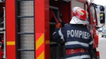 Incendiu devastator, în Iași. Un etaj întreg s-a făcut scrum