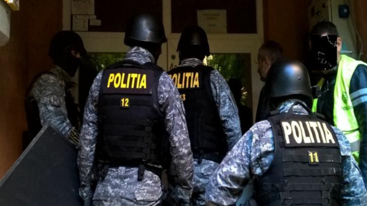 Poliţiştii din Mehedinţi au descins la Gherla! Două persoane sunt acuzate că au furat monede din aur în valoare de 400.000 de lei