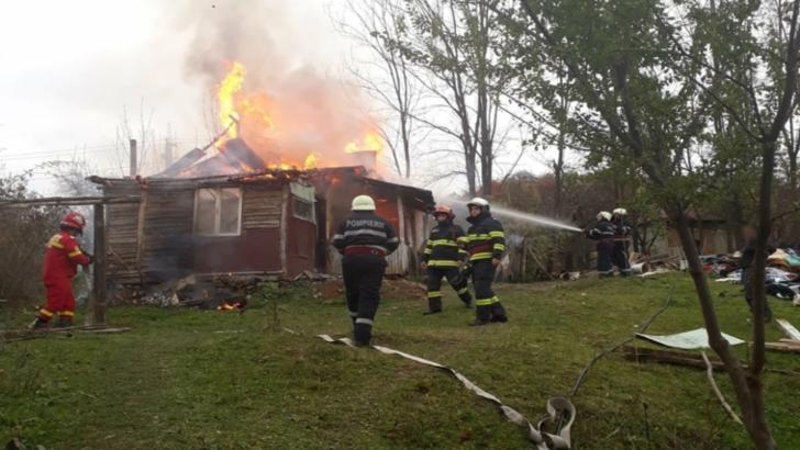 Incendiu la o casă din orașul Pucioasa
