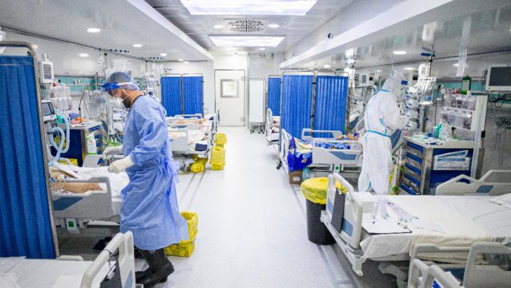 Rată a mortalității URIAȘĂ la pacienții COVID internați la ATI, în țara noastră. Explicațiile medicului Radu Țincu