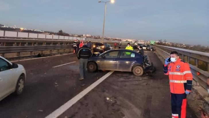 Accident în lanț, luni dimineața, pe Autostrada București-Pitești: 10 mașini distruse