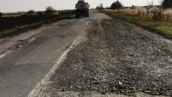 Drum național în județul Vrancea, lăsat de izbeliște după alegeri. Utilajele și muncitorii au dispărut fără urmă