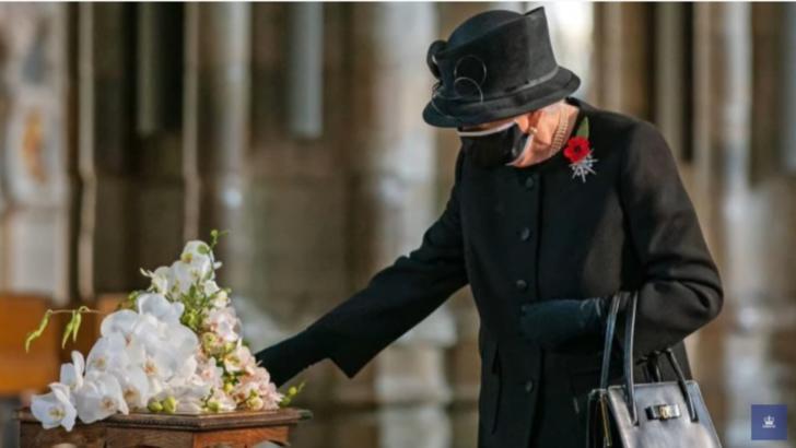 VIDEO Regina Elisabeta a II-a, prima apariție publică purtând mască