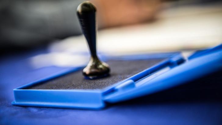 Românii din străinătate pot vota la parlamentare chiar dacă le-a expirat documentul de reședință