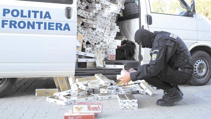 Percheziții la contrabandiștii de țigări în Suceava. Șapte poliţişti ar fi implicaţi