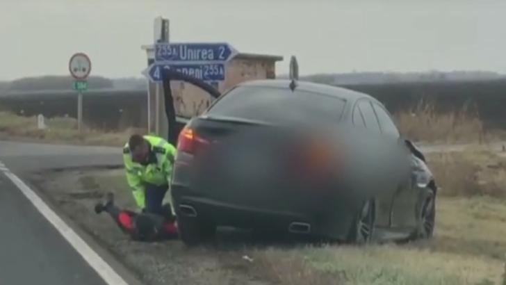 Un minor de 15 ani băut, a furat o mașină și a produs un accident apoi a fugit