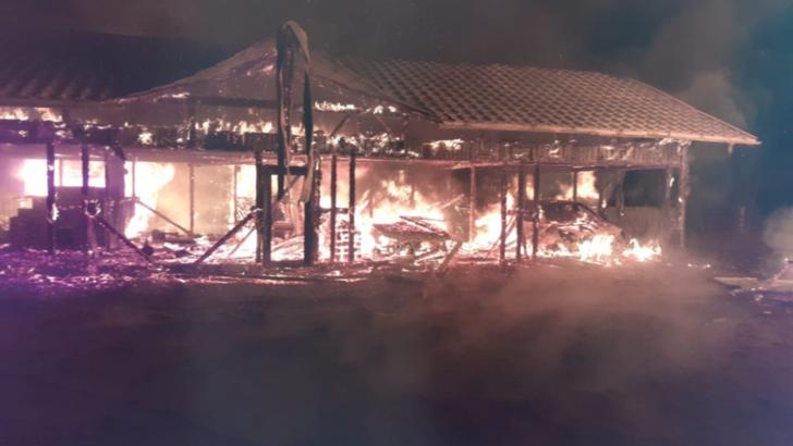 Incendiu DEVASTATOR într-o comună din județul Suceava