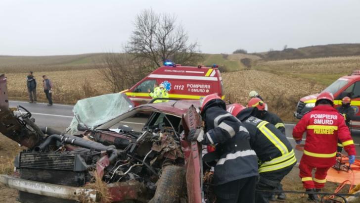 Accident extrem de GRAV lângă Făgăraș: Două persoane și-au pierdut viața, alte 4 sunt rănite!