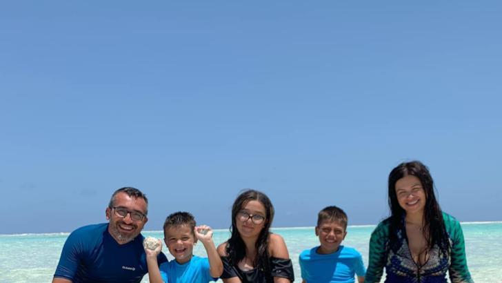 O familie din Iași, în Zanzibar din cauza pandemiei de coronavirus. Cum au petrecut Crăciunul Foto: Facebook.com