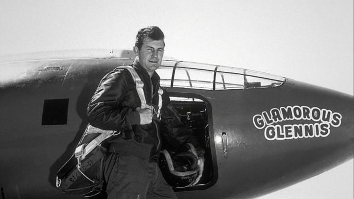 A murit cel mai RAPID om din lume! Chuck Yeager, primul pilot care a depășit viteza sunetului, a decedat la 97 de ani