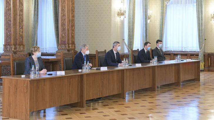 Consultări Cotroceni, 14 decembrie 2020. Delegațiile PSD, PNL, USR-PLUS, AUR, UDMR primite de Klaus Iohannis Foto: Administrația prezidențială