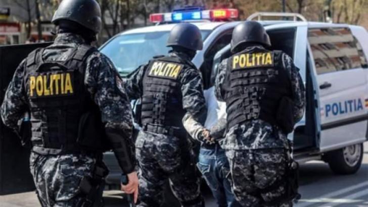 Descindere a politistilor (arhiva)