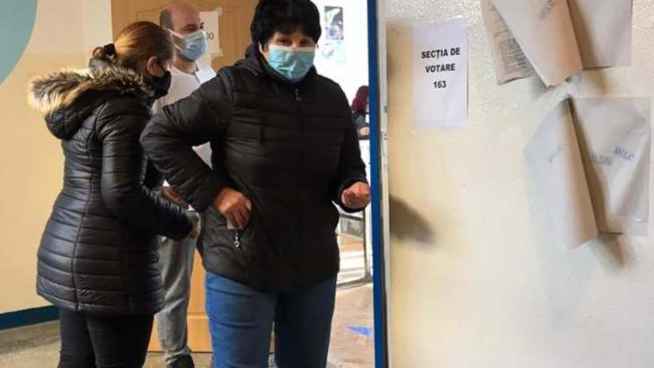 """Zeci de bolnavii COVID de la spitalul """"Babeș"""" din Timișoara nu pot vota. Membrii secției refuză să vină cu urna mobilă"""