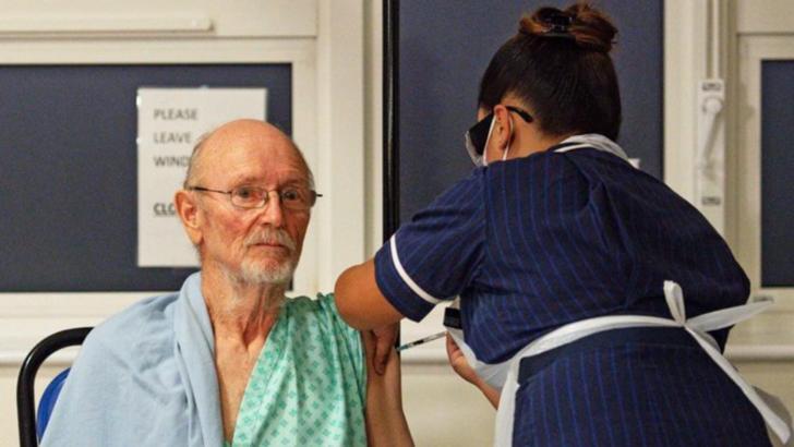 William Shakespeare, de 81 de ani - a doua persoana din Marea Britanie vaccinata impotriva COVID-19 Foto: nytimes.com