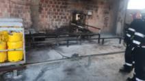 Explozie urmată de incendiu la o firmă din Alba Iulia care încarcă butelii cu gaz: două victime